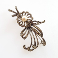 Art Deco broche